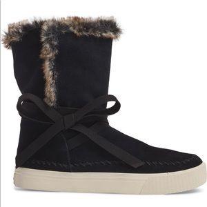 TOMS Vista Boots NWOB